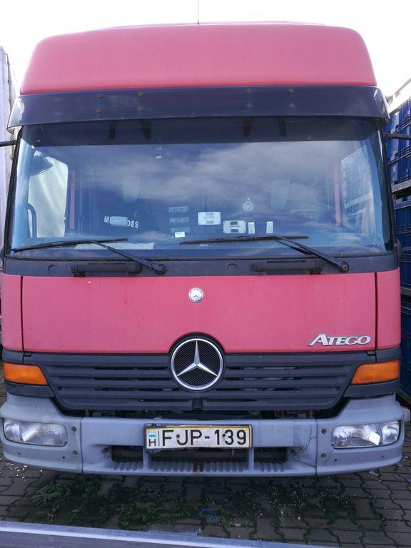 شاحنة مقفلة MERCEDES-BENZ ATEGO 818/48