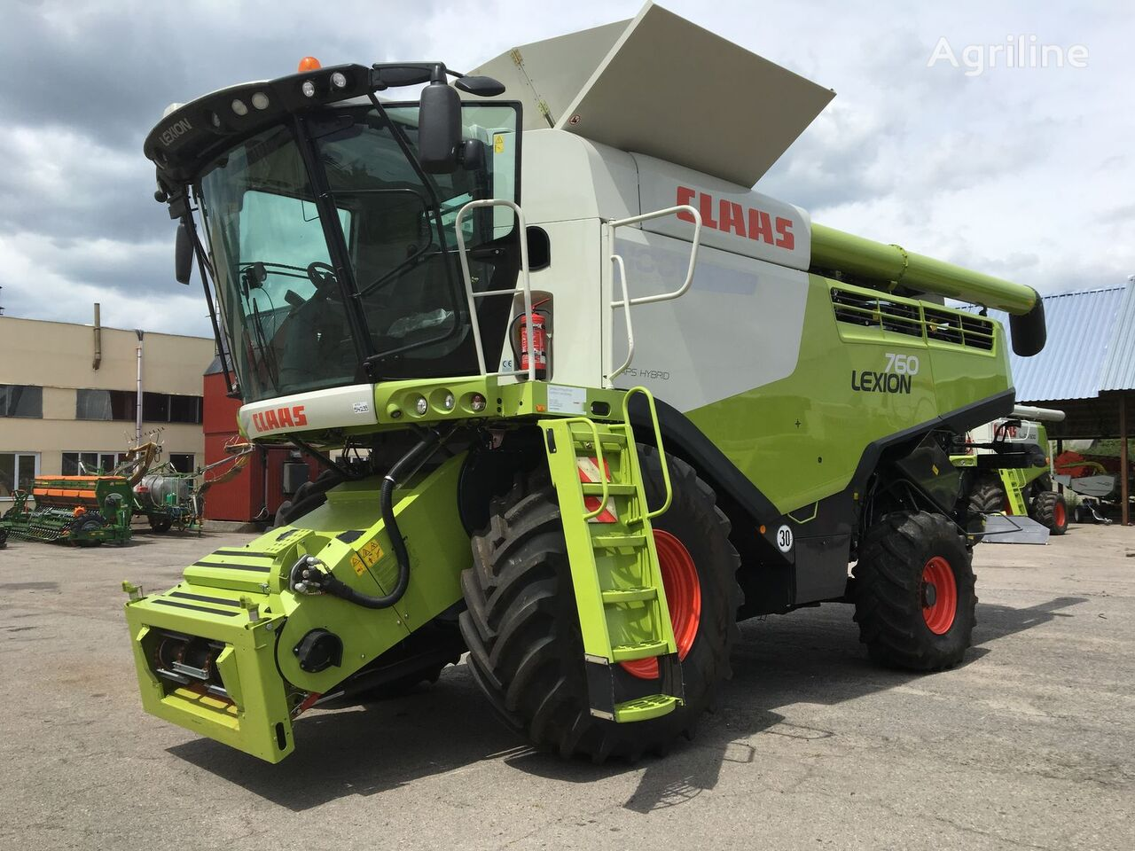 ماكينة حصادة دراسة CLAAS Lexion 760 Z NIMEChChINI