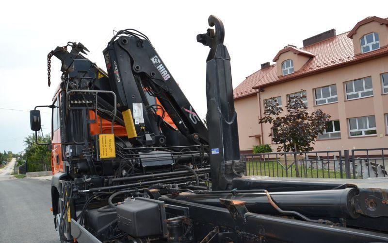 شاحنة نقل الحاويات MAN TGA 26.360