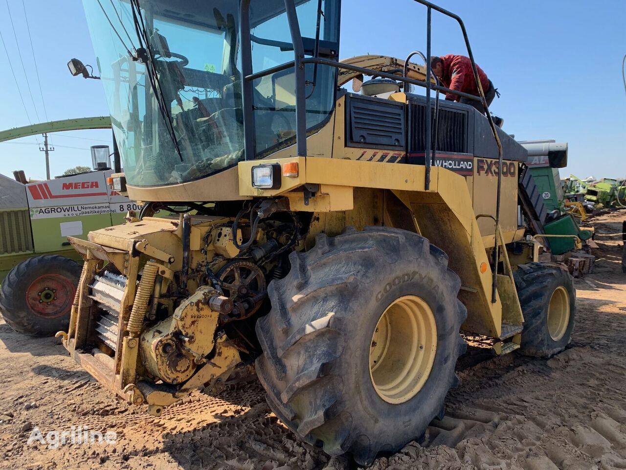 حصادة الأعلاف NEW HOLLAND FX300 من قطع الغيار