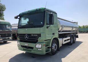 شاحنة نقل الألبان MERCEDES-BENZ Actros МЛЕКАРКА