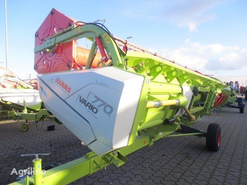 آلة حصادة CLAAS Vario 770