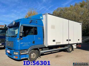 شاحنة مقفلة MAN TGL 12.210