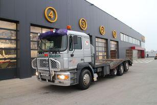 شاحنة نقل السيارات MAN 26.403 original milage