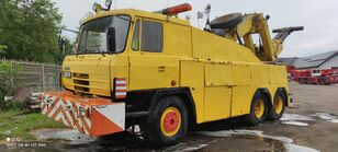 شاحنة نقل السيارات TATRA 815