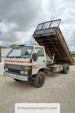 شاحنة قلابة TOYOTA Dyna 300 14B 3.6 diesel left hand drive 7.5 ton