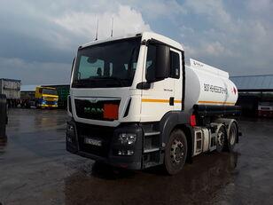 شاحنة نقل الوقود MAN TGS 24.440