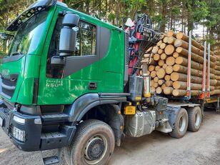 شاحنة نقل الأخشاب IVECO TRAKKER
