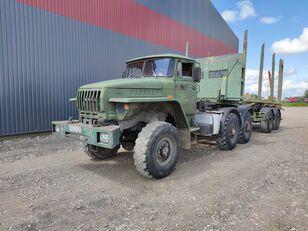 شاحنة نقل الأخشاب URAL