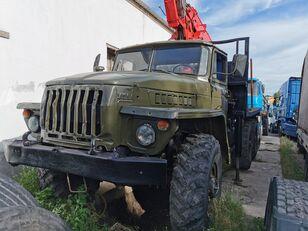 شاحنة نقل الأخشاب URAL HYAB